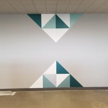 Murale imprimée et acryliques collées