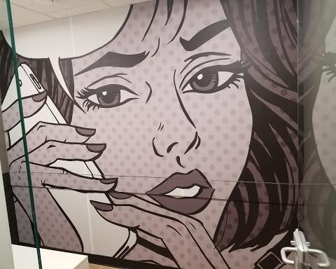 Murale, cabine téléphonique